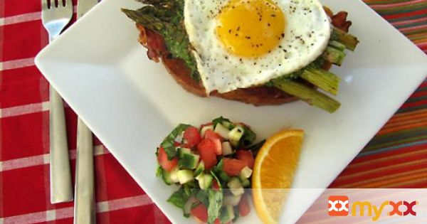 Open-Face Egg Sandwich with Bacon, Asparagus, and Pesto