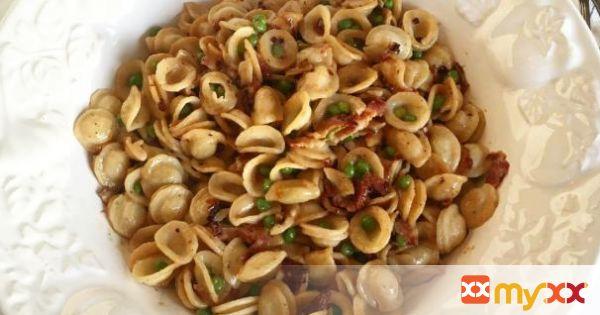 Orecchiette Pasta with Peas and Bacon