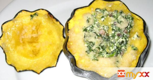 Mushroom, Spinach & Ricotta Stuffed Acorn Squash