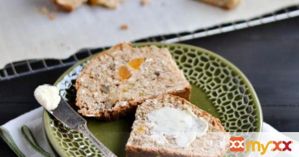 Oatmeal, Apricot, Walnut Soda Bread