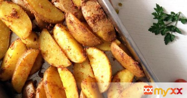 Potato Wedges & Sweet Chili Sauce