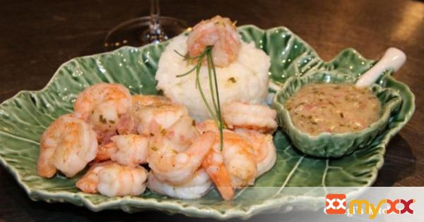 Prawns with Lemon Chive Butter Sauce
