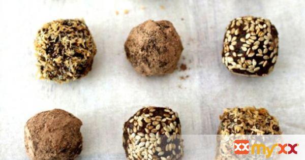 Raw Chocolate Truffles (vegan & dairy free)
