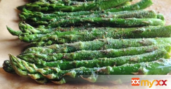 Roasted Asparagus & Creamy Cilantro-Lime Sauce