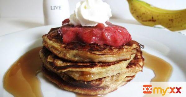 Strawberry Banana Stuffed Pancakes