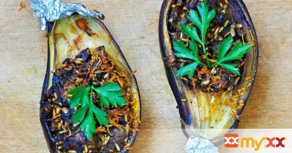 Stuffed Aubergines with Garlic Sauce