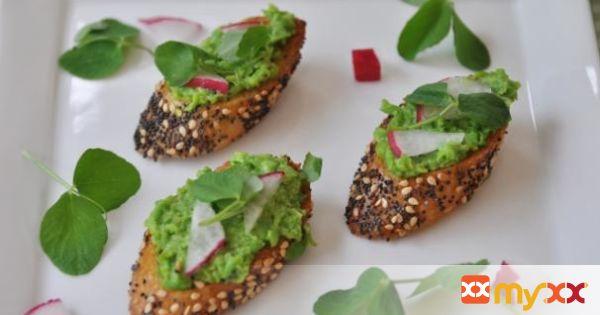 Vegan Pea and Mint Pesto Bruschetta