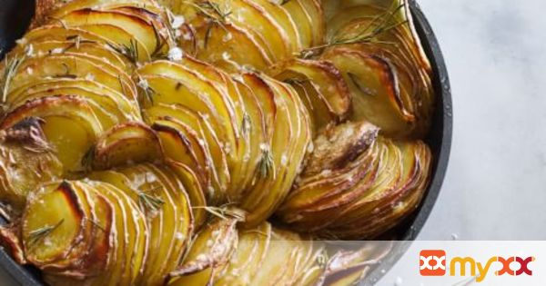 Crispy Roasted Potatoes with Rosemary