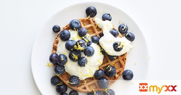 Weight Watchers Waffle with Lemony Ricotta and Blueberries