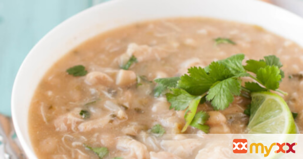 Slow Cooker Clean Eating White Chicken Chili