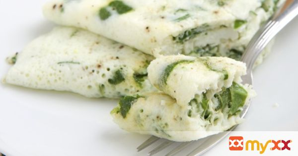 Spinach and Mozzarella Egg White Omelet