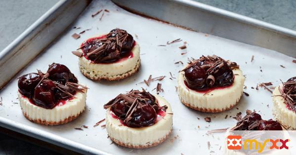 Weight Watchers Dark Chocolate-Cherry Cheesecakes