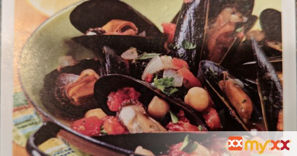 Spanish Steamed Mussels