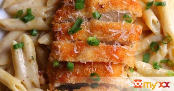 Garlic Parmesan Pasta with Crispy Chicken