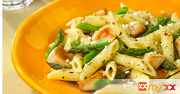Feta Pasta with Chicken and Asparagus