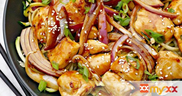 Kung Pao Chicken with Zucchini Noodles