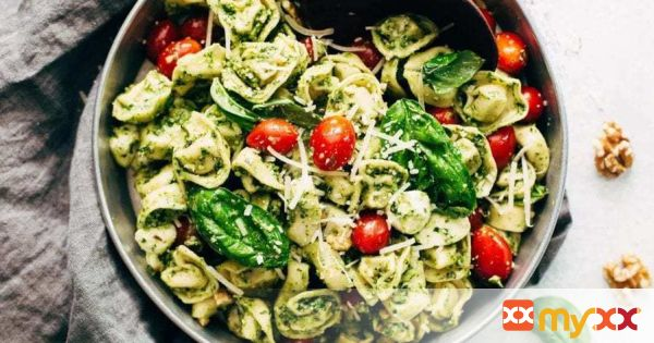 15 Minute Spinach Pesto Tortellini Salad
