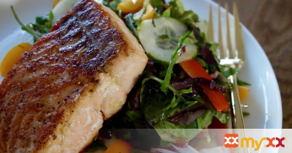 Pan Seared Salmon with Spring Mix Salad