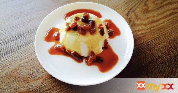 Panna Cotta with Raisin Caramel Sauce