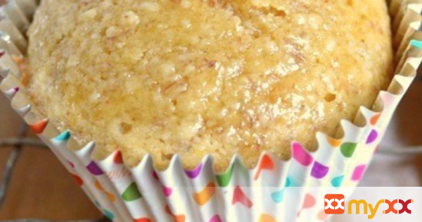 Lemon Flaxseed Muffins