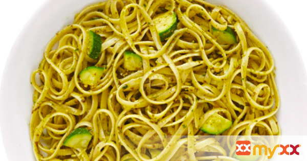 Barilla Linguine with Pesto and Zucchini