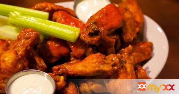 Spicy Teriyaki Wings with Ranch