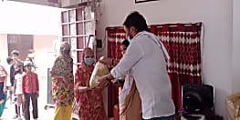 बकरीद से पहले बिहार शिया वक्फ बोर्ड के अध्यक्ष इरशाद अली आजाद की शानदार पहल, जरूरतमंदों को दे रहे ईद किट