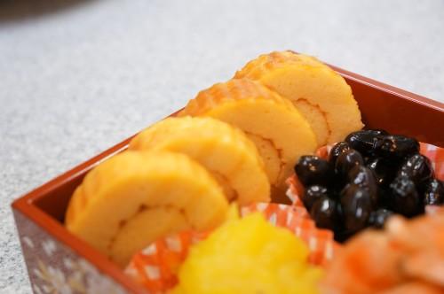 Osechi - Datemaki Tamago 伊達巻きたまご - Rolled up sweet omlet
