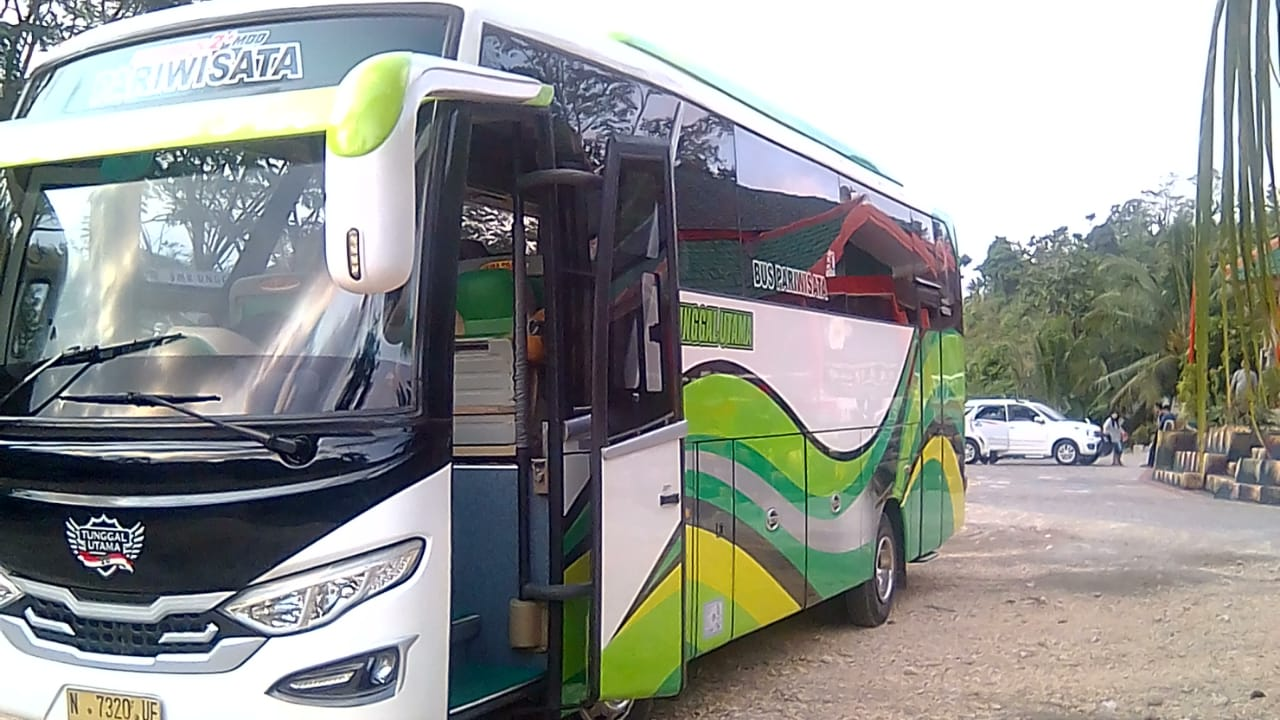 Harga Sewa Bus di Malang