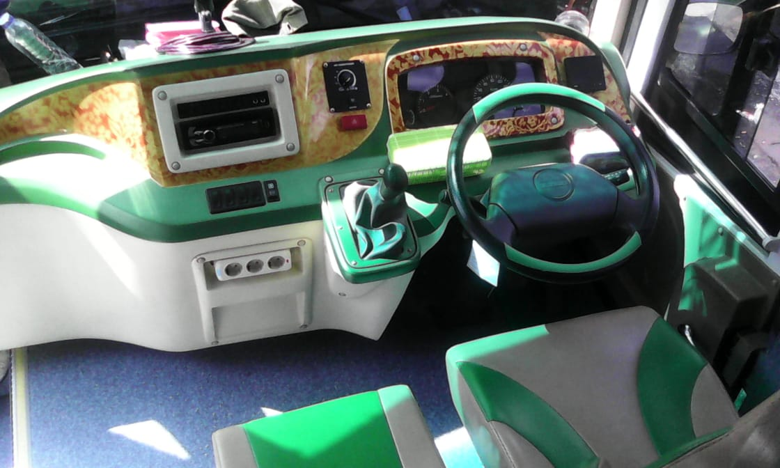 Sewa Bus Parawisata Malang
