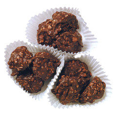 ASHER'S MILK CHOCOLATE CASHEW CLUSTERS