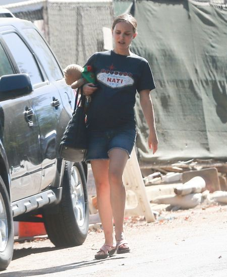pregnant-nataliepoertman-out-in-silver-lake-09-24-2016_2