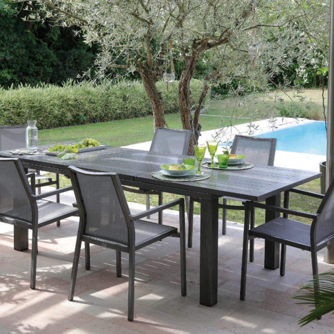 Table Elisa 180/240cm ice + 6 fauteuils Ida brush argent