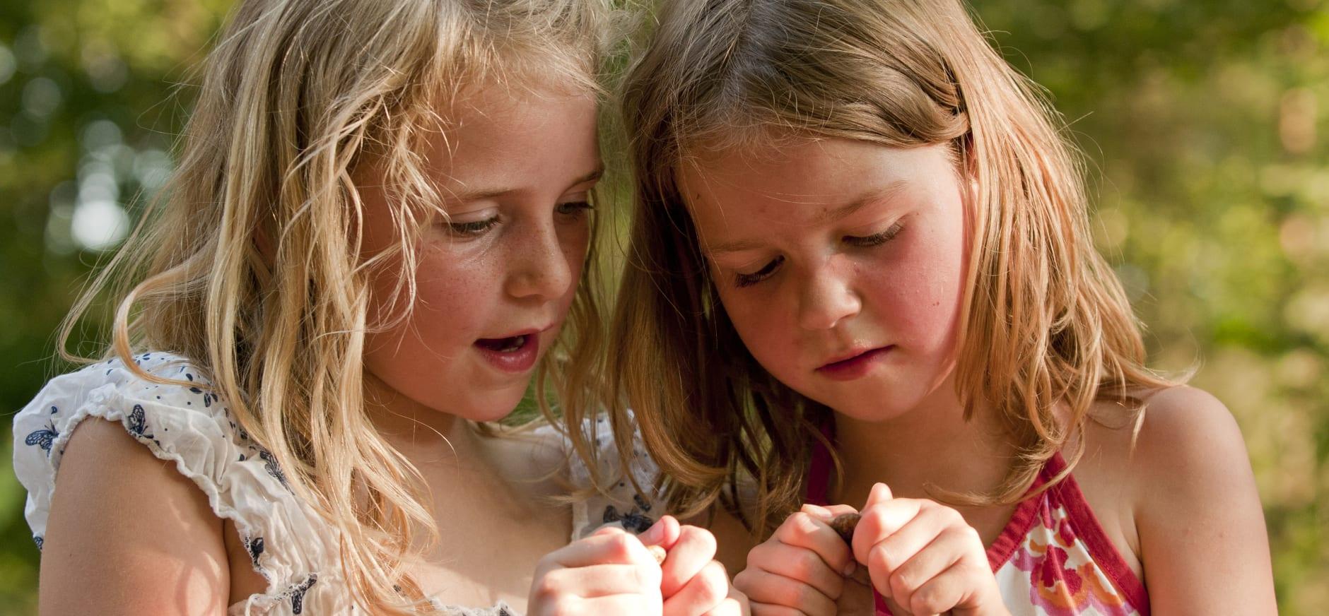 meisjes beeldbank zomer