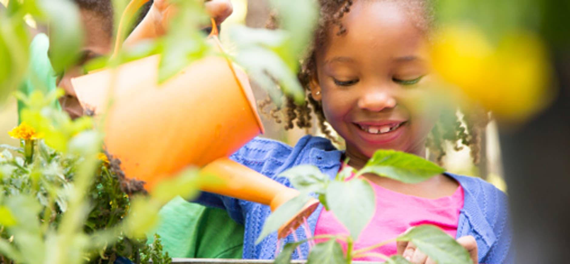 Kind in de tuin - OERRR