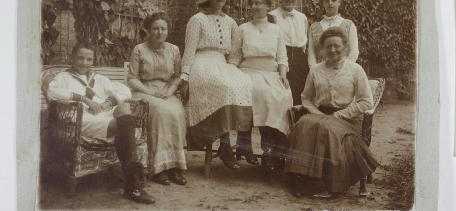 Groepsfoto van de familie Van Westerholt