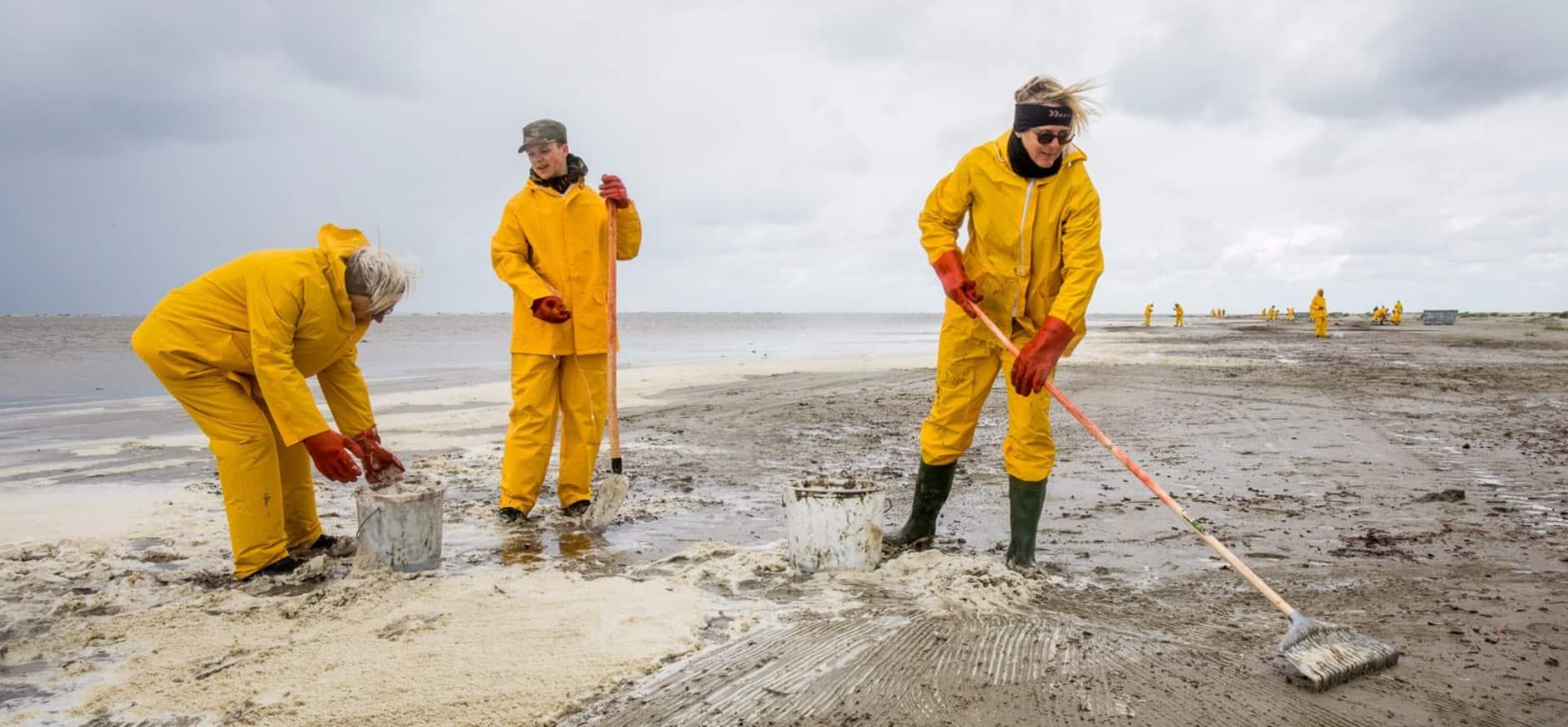 Geslaagde oefening oliebestrijding op Waddenzee