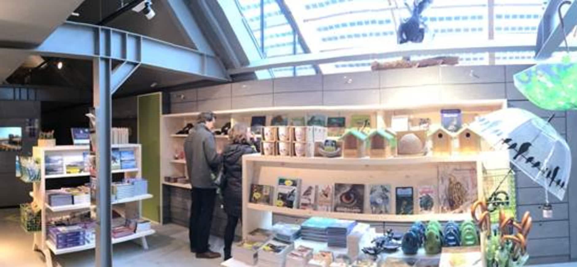 Bezoek de nieuwe winkel van Bezoekerscentrum Nieuwkoopse Plassen