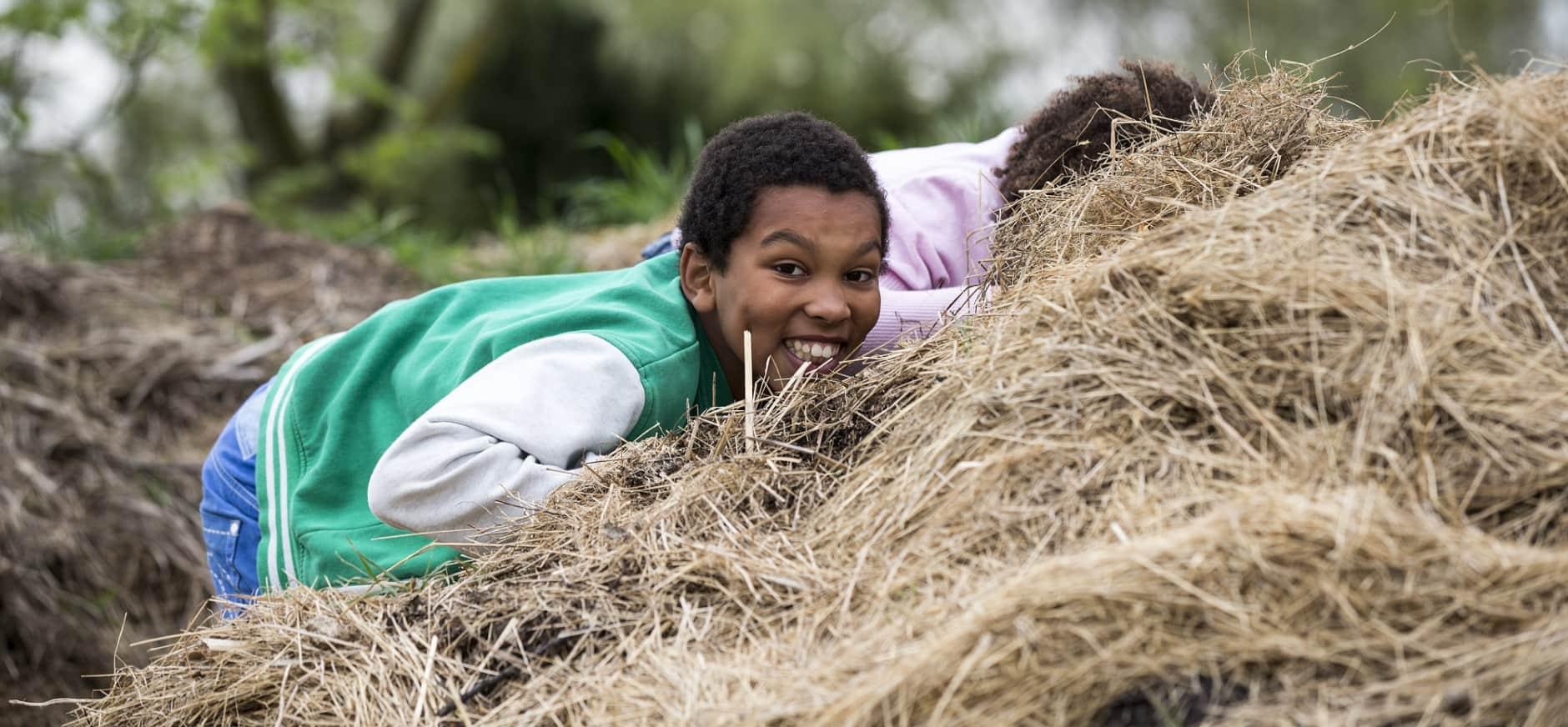 Rotterdamse stadsherder Martin organiseert extra herfstactiviteiten op de Belevenisboerderij