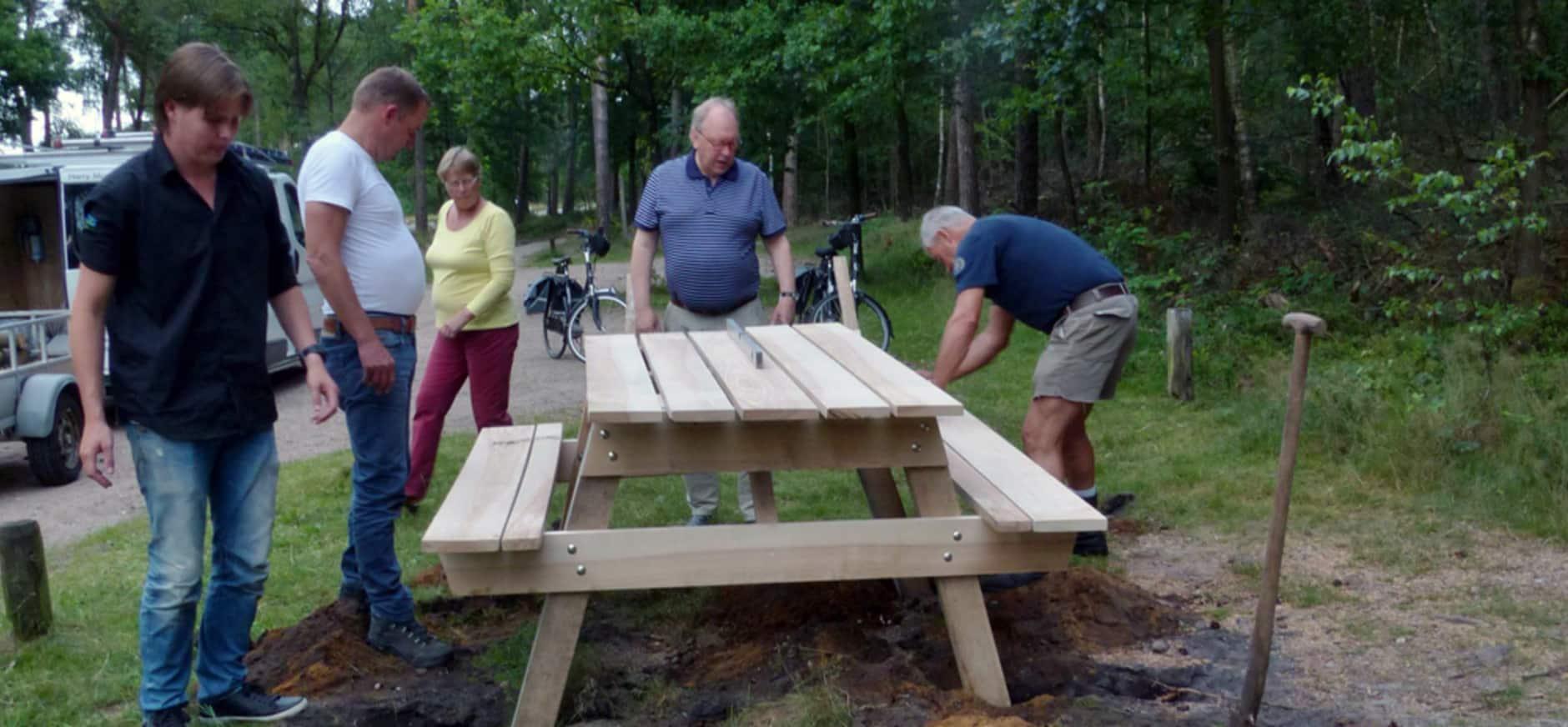 Nieuwe picknickplek op parkeerplaats Ramenberg