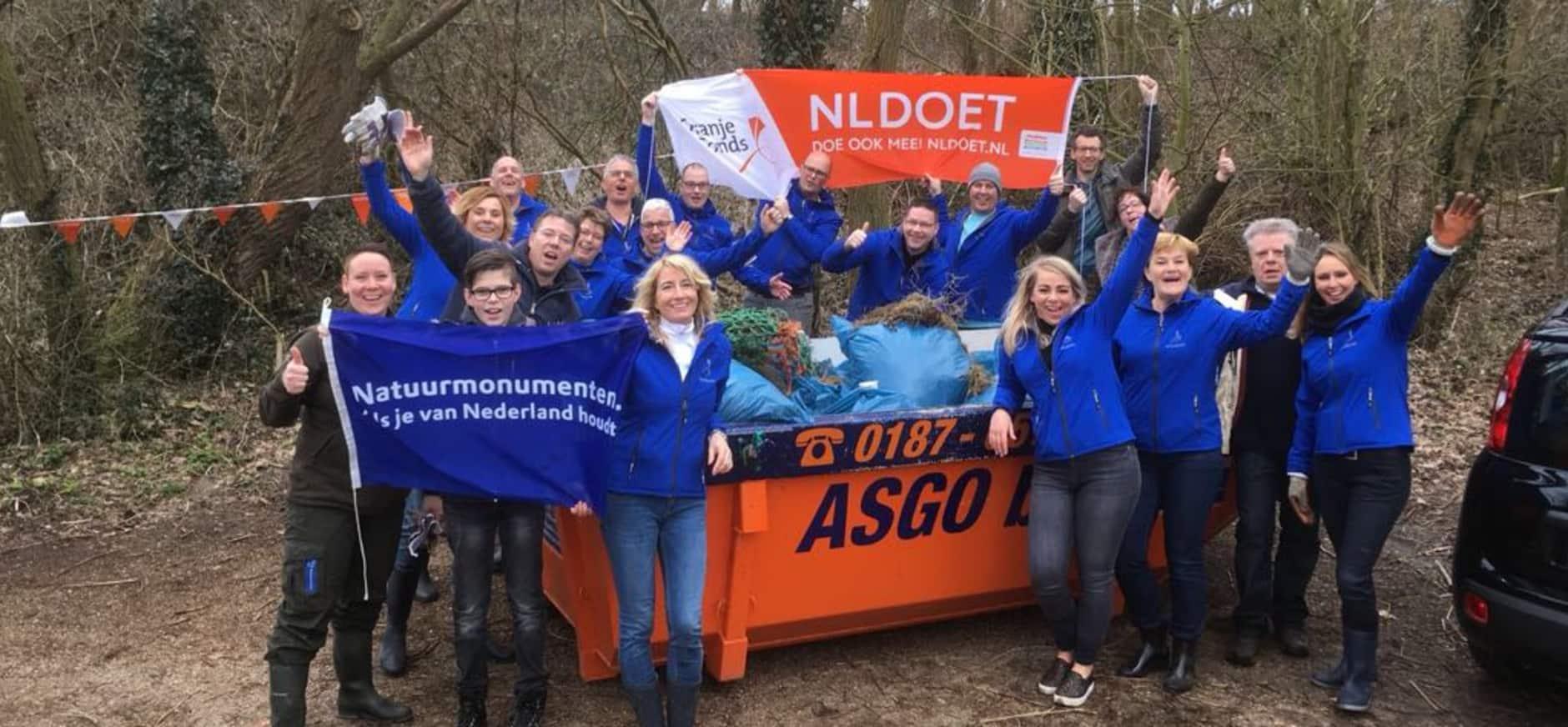 Marktteam Rabobank Goeree-Overflakkee tijdens NLdoet in Kwade Hoek