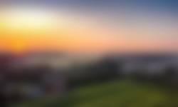 Mistige zonsopkomst bij de molen
