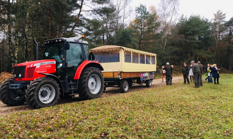 Huifkar met tractor Loenen Veluwe