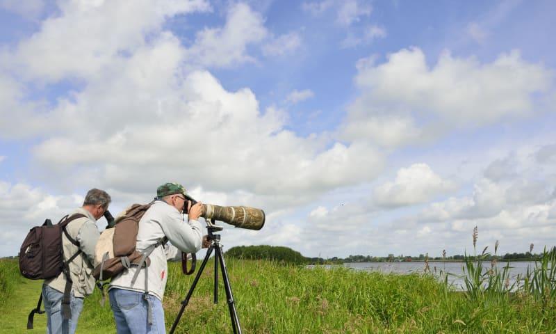 Verrekijkers en telescopen testen