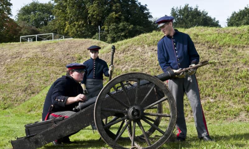 Kanon bij Fort bij Abcoude