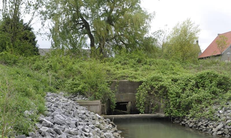 Havens, sluizen, muraltmuren en weegbruggen op Tiengemeten
