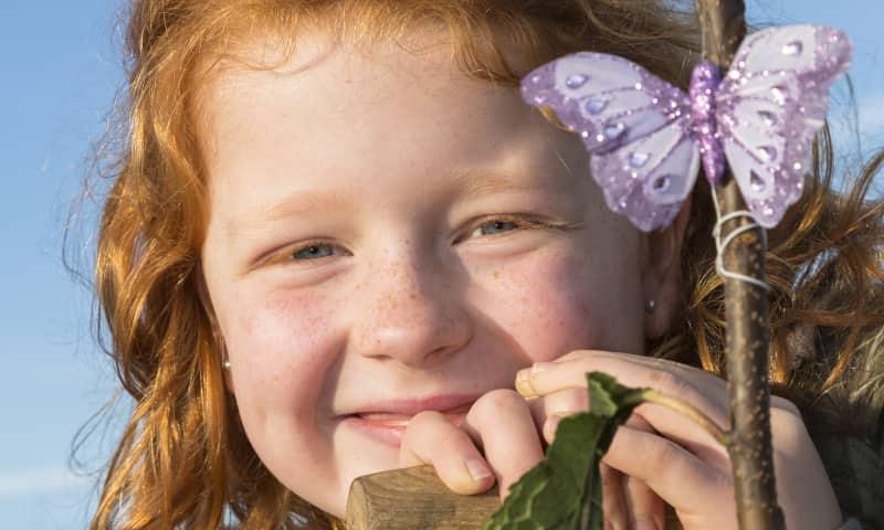 kinderen en vlinders