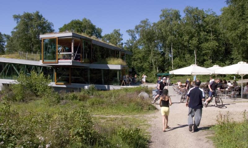 Paviljoen De Posbank en terras