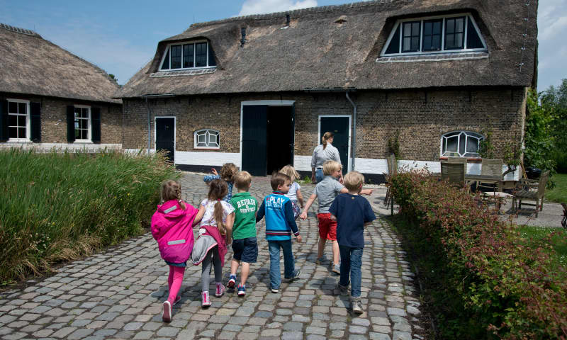 Aankomst kinderfeestje boerderij Ackerdijkse Plassen