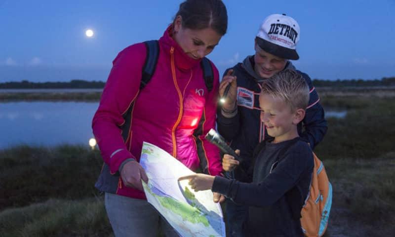 Beleef de nacht met het gezin tijdens de Midzomernachtloop